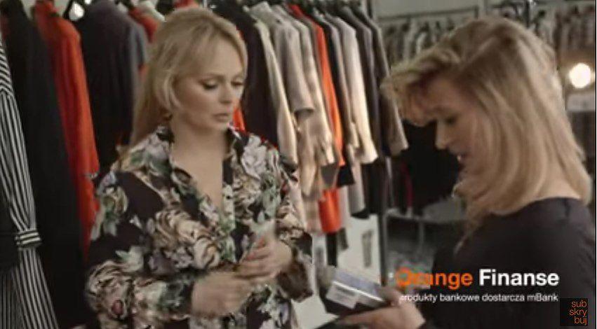 Agnieszka Jastrzębska bierze kredyt na bluzę... w reklamie. Oglądacie na własną odpowiedzialność WIDEO