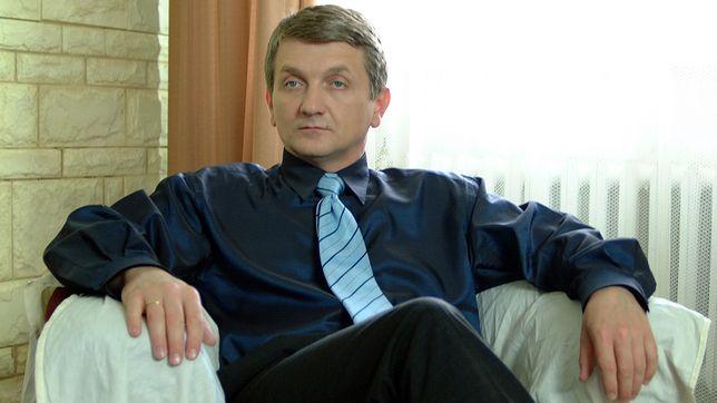 """Dariusz Kowalski to niezapomniany Janusz Tracz z """"Plebanii"""""""