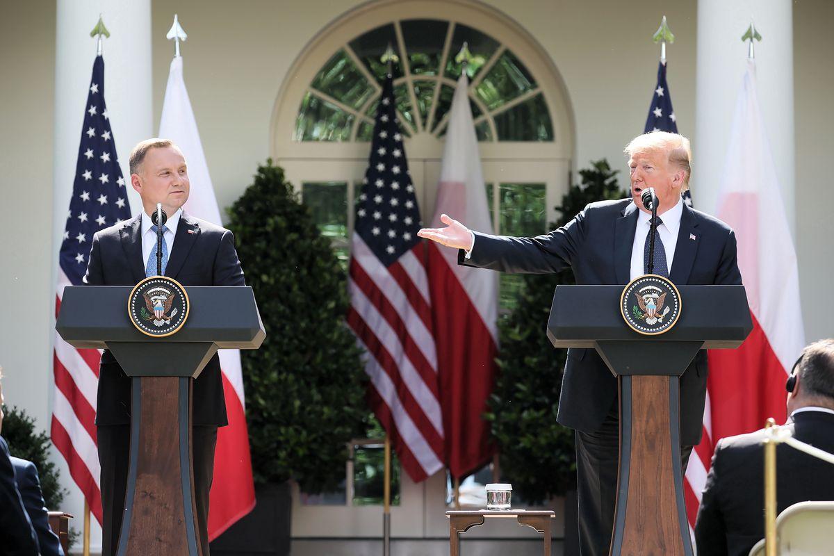 Waszyngton, 24.06.2020.  Prezydent RP Andrzej Duda oraz prezydent USA Donald Trump podczas wspólnej konferencji prasowej w Ogrodzie Różanym Białego Domu w Waszyngtonie.