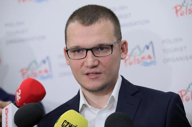 Paweł Szefernaker: policja była za sceną
