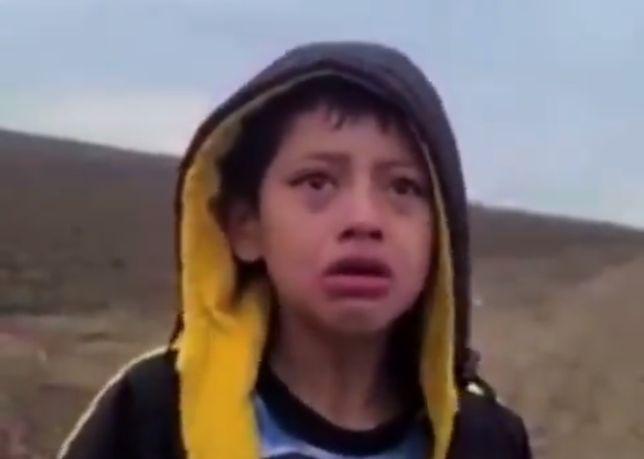 Imigranci porzucili chłopca na pustynie w Teksasie w USA (Twitter)