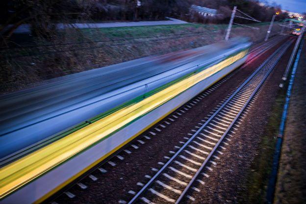 Wykolejenie pociągu towarowego w Wielkopolsce. Trasa jest zablokowana