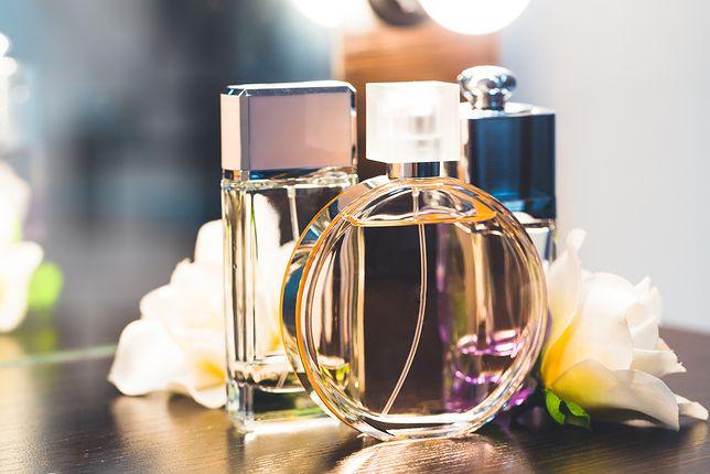 """Piekne perfumy to wspaniały prezent - wybierz jeden z """"pewniaków"""""""