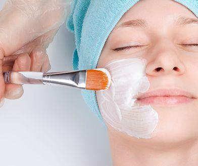 Osoby z cerą naczynkową powinny uważnie wybierać kosmetyki.
