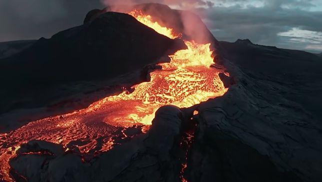 Erupcja wulkanu. Fragment niesamowitego nagrania z drona