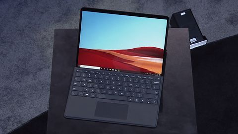 Microsoft Surface Pro X – tablet z ARM i nowym piórem chowanym w okładce