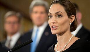 Angelina Jolie usunęła obie piersi