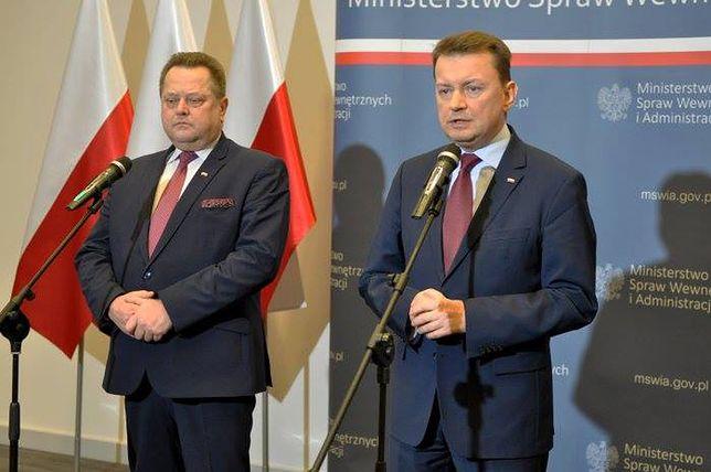 Szef MSWiA Mariusz Błaszczak i jego zastępca Jarosław Zieliński