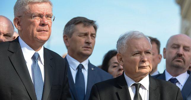 87. miesięcznica smoleńska. KOD i Obywatele RP niespodziewanie zakończyli manifestację