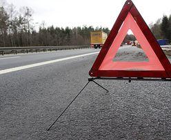 Tragiczny niedzielny poranek na Mazowszu. Pod Mławą zderzyły się 3 auta. Są ofiary