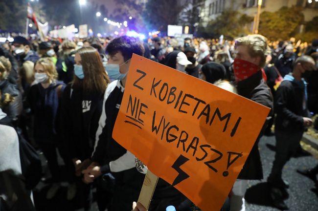 Zobacz, co znika z aptek. Protestujący Polacy szykują się na najgorsze