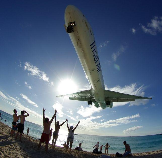 Maho beach - tu samoloty przelatują tuż nad głową!