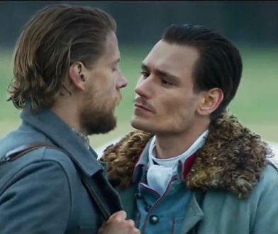 """Kadr z filmu """"Legiony"""": W głównych rolach zagrali Sebastian Fabijański i Bartosz Gelner"""