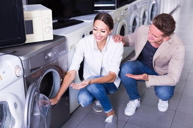 Domowa suszarka do prania to przydatne urządzenie, dzięki któremu zaoszczędzisz dużo czasu