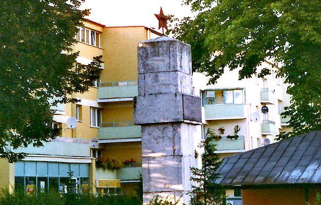 Policja odnalazła tablicę z pomnika wdzięczności Armii Czerwonej w Sławnie