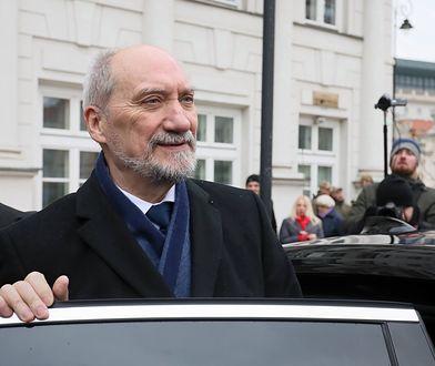 Antoni Macierewicz nie rozstanie się z limuzyną
