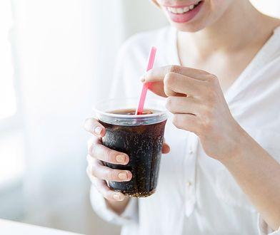 McDonald's wprowadza papierowe słomki do restauracji w Polsce