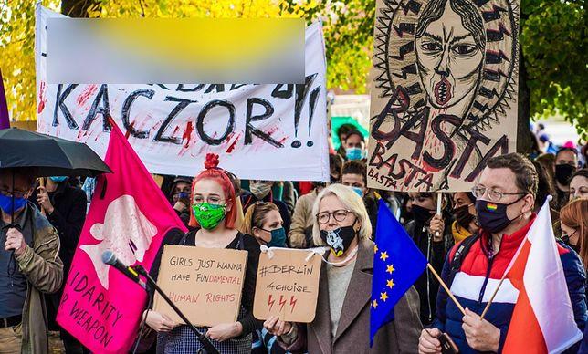 Demonstracja przed Ambasadą Polską w Berlinie. 24.10.2020