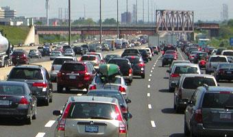 Korki w dużych miastach kosztują kierowców 3,6 mld zł rocznie