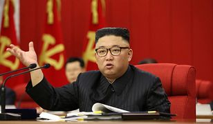 Kim Dzong Un podczas posiedzenia KC Partii Pracy