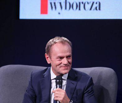 """Spotkanie z Donaldem Tuskiem. Inteligentne show z humorem. """"Żal, że nie startuje w wyborach"""""""