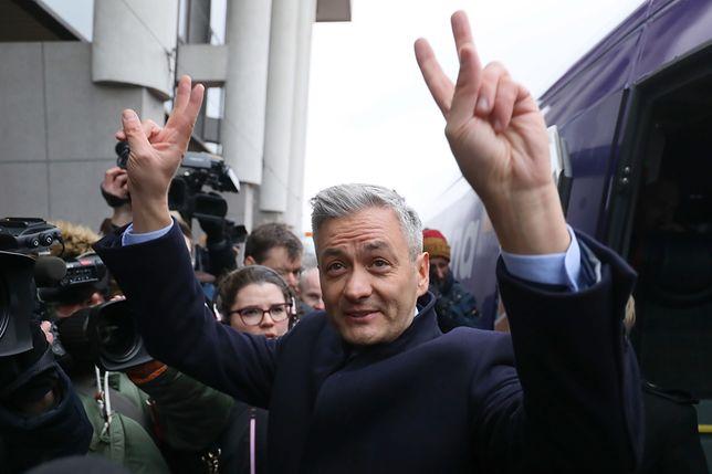 Lider partii Wiosna, Robert Biedroń, po konferencji prasowej inaugurującej konwencje regionalne partii