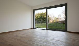 Podłogi - drewno lakierowane - zalety i wady