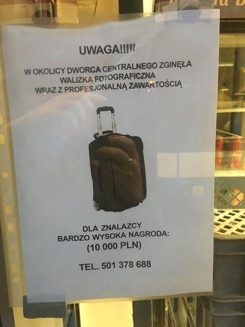 Na Dworcu Centralnym zaginęła walizka ze sprzętem fotograficznym
