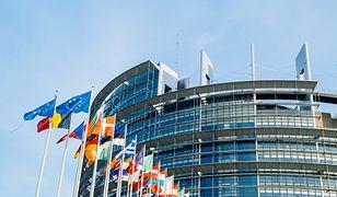 Aby zainicjować art. 7, potrzeba poparcia aż 2/3 europosłów.
