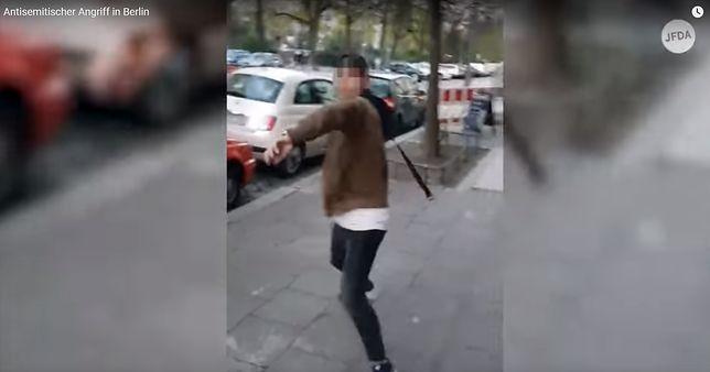 Młody muzułmanin pobił Żyda na ulicy w Berlinie