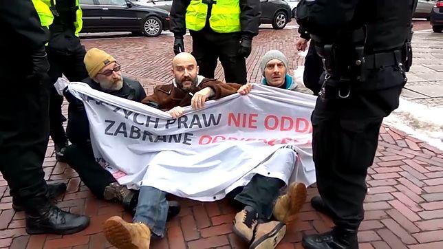 Obywatele RP w trakcie manifestacji