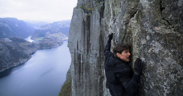 Tom Cruise na norweskim klifie