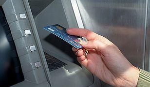 Skanowali dane z bankomatów - wpadli w Bydgoszczy