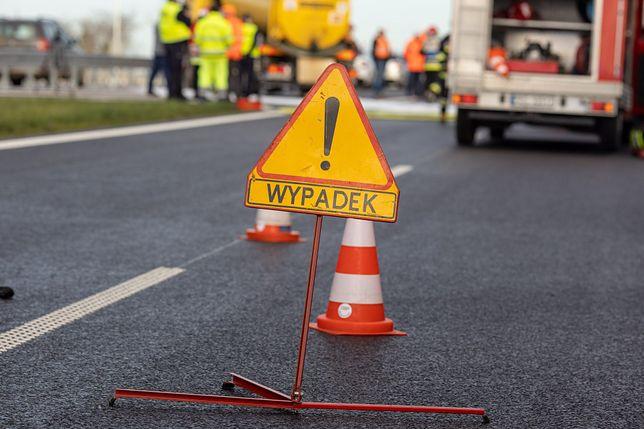 Warszawa. Po wypadku na S2 tworzy się korek [zdj. ilustracyjne]