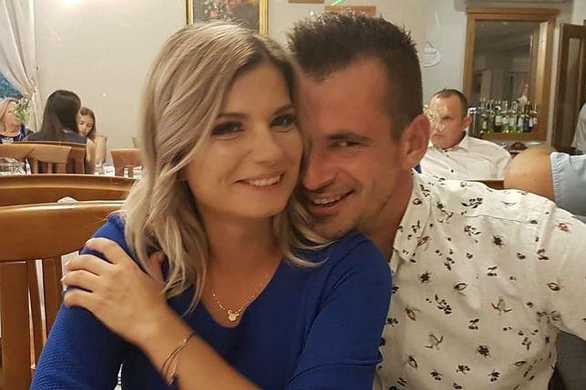 """Ilona i Adrian poznali się dzięki programowi """"Rolnik szuka żony""""."""
