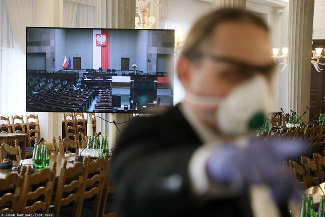 Koronawirus w Polsce. Obrady Sejmu