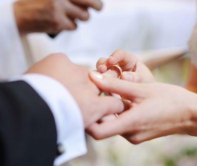 Nauki przedmałżeńskie przed ślubem cywilnym. Rządzący chcą spróbować