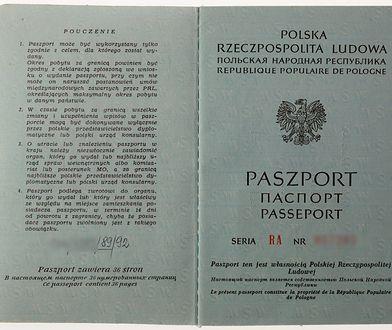 Kraków. Mężczyzna przyleciał do Polski z paszportem PRL