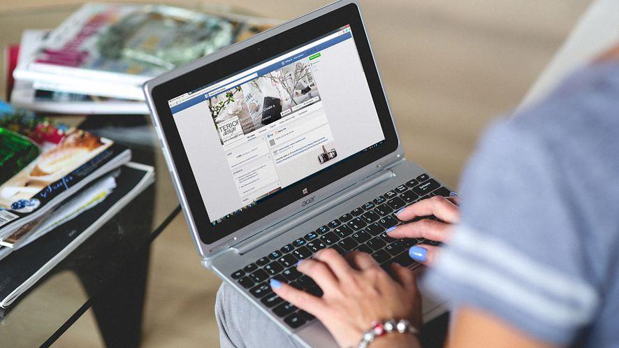 Facebook pracuje nad nową wersją Messengera na pulpit Windowsa, fot. Pexels