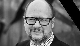 Żałoba narodowa – 19 stycznia 2019. Andrzej Duda oficjalnie ogłosił, że w dzień pogrzebu Pawła Adamowicza cała Polska pogrąży się w zadumie
