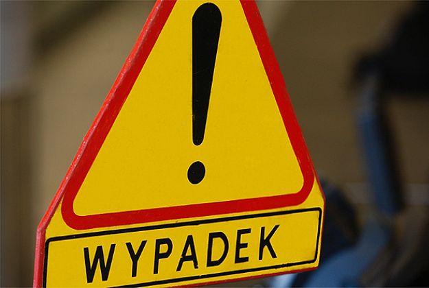 Wypadek w Osieku na drodze nr 948. Dwie osoby poważnie ranne