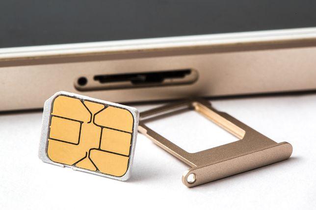 Oszuści podrabiają karty SIM