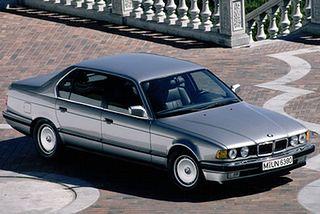 BMW seria 7 E32
