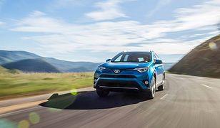 Nowy system Toyoty oparty na komunikacji między autami i infrastrukturą