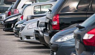Wynajem auta w wypożyczalni – na co uważać?