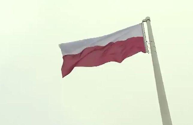 Flaga już na Maszcie Wolności! [WIDEO]