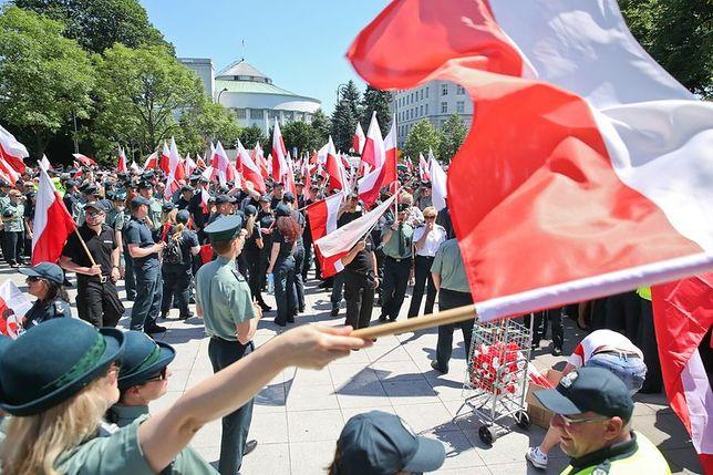 Protest celników w centrum Warszawy. Ulice wyłączone z ruchu