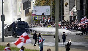 Białoruś. Milicja użyła armatek wodnych wobec protestujących