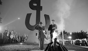 Jerzy Grzelak podczas uroczystości na kopcu Powstania Warszawskiego
