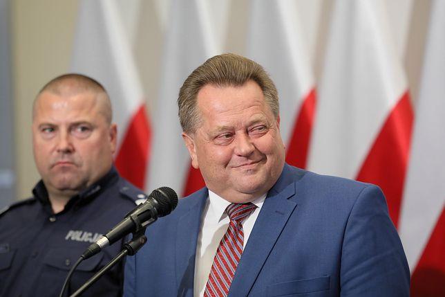 Komendant Daniel Kołnierowicz i minister Jarosław Zieliński